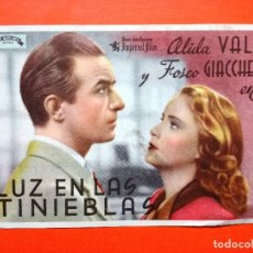Cine: LUZ EN LAS TINIEBLAS. SENCILLO DE IMPERIAL FILMS. CINE GRAN CAPITAN. Lote 98435479