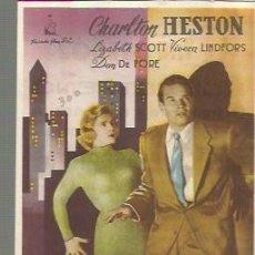 Cine: CHARLTON HESTON PROGRAMA DE MANO DEL FILM CIUDAD EN SOMBRAS CON PUBLICIDAD AL DORSO. Lote 104104515