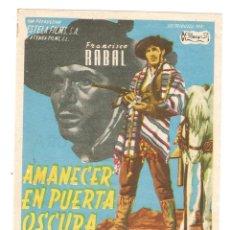 Cine: AMANECER EN PUERTA OSCURA - FRANCISCO RABAL, ALBERTO FARNESSE - DIRECTOR JOSÉ MARÍA FORQUÉ. Lote 108779795