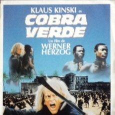 Cine: COBRA VERDE (KLAUS KINSKI) FOLLETO DE MANO ORIGINAL DEL ESTRENO, CON SINOPSIS EN EL REVERSO. Lote 112476179