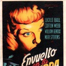 Folhetos de mão de filmes antigos de cinema: PROGRAMA DE CINE. ENVUELTO EN LA SOMBRA. Lote 113569115