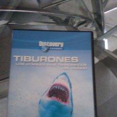 Cine: TIBURONES - LOS ATAQUES MAS TERRORÍFICOS DEL MUNDO, Y DELFINES BAILARINES DEL MAR. Lote 127213855