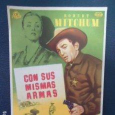 Cine: CON SUS MISMAS ARMAS. ROBERT MITCHUM- CINE CERVANTES- LINARES - JAEN. Lote 127766463