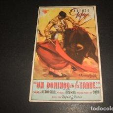 Cine: UN DOMINGO EN LA TARDE PROGRAMA DE MANO . Lote 128431775