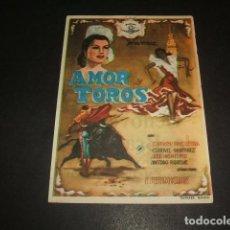 Cine: AMOR Y TOROS PROGRAMA DE MANO CINE ALARCON BARCELONA. Lote 128471991
