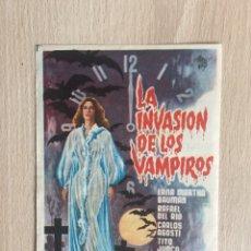 Flyers Publicitaires de films Anciens: PROGRAMA DE MANO CON PUBLICIDAD. CINE. LA INVASIÓN DE LOS VAMPIROS.. Lote 128530136