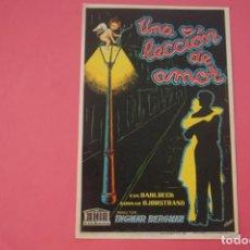 Foglietti di film di film antichi di cinema: FOLLETO DE MANO PROGRAMA DE CINE UNA LECCIÓN DE AMOR SIN PUBLICIDAD LOTE 17. Lote 133097430