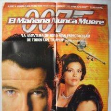 Cine: EL MAÑANA NUNCA MUERE, CON PIERCE BROSNAN. POSTER DE VIDEO, 66,5 X 96,5 CMS. . Lote 138720782