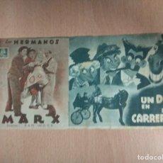 Cine: UN DIA EN LAS CARRERAS - MGM HERMANOS MARX. PROGRAMA TRIPTICO DE MANO CON PUBLICIDAD. Lote 139898738