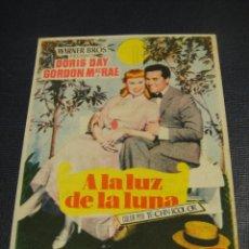 Cine: A LA LUZ DE LA LUNA - TEATRO TRUEBA - BILBAO. Lote 148228018