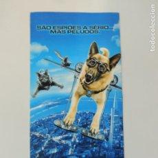 Cine: COMO PERROS Y GATOS 3 D - FOLLETO MANO ORIGINAL INVITACION PORTUGAL. Lote 151483258