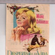 Cine: FOLLETO DE MANO DESPERTARA LA VIDA CON KENNETH MORE PUBLICIDAD CINE PÓSITO DE PESCADORES CAMBRILS . Lote 152306966