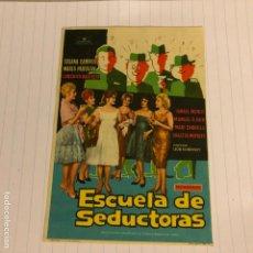 Cine: ESCUELA DE SEDUCTORAS. FOLLETO DE MANO SIN PUBLICIDAD DE 1962.. Lote 156001354