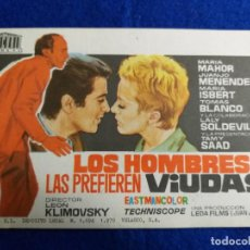 Cine: PROGRAMA DE MANO DE LA PELICULA LOS HOMBRES LAS PREFIEREN VIUDAS CON MARIA MAHOR. Lote 209272397