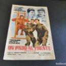 Cine: PROGRAMA DE MANO ORIG - UN PASO AL FRENTE - CINE DE ZARAGOZA . Lote 168274848