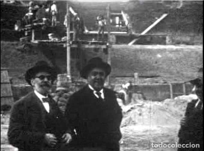 FILMACION ORIGINAL EN 9,5MM DE LA CONSTRUCCION DEL COLISEO BALEAR EN 1928 Y PRIMERA CORRIDA 1929 (Cine - Folletos de Mano - Documentales)