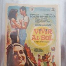 Cine: FOLLETO DE MANO / VIVIR AL SOL. Lote 174208133