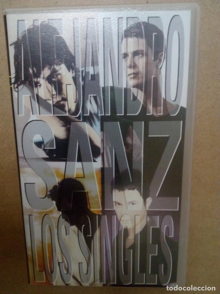 ALEJANDRO SANZ. MÚSICA ESPAÑOLA. CONCIERTO. POP. VHS (Cine - Folletos de Mano - Musicales)