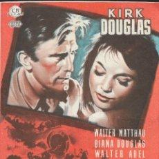 Flyers Publicitaires de films Anciens: PROGRAMA DE CINE - PACTO DE HONOR - KIRK DOUGLAS, WALTER MATTHAU - CINE GOYA (MÁLAGA) - 1955.. Lote 177476363