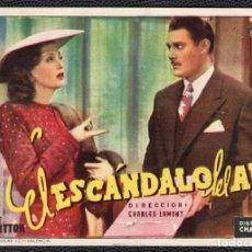 Cine: EL ESCANDALO DEL AÑO - FOLLETO DE MANO (11,9 CM. X 8,4 CM) -ORIGINAL- PUBLICIDAD EN REVERSO. Lote 178347465