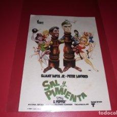 Cine: SAL Y PIMIENTA CON SAMMY DAVIS. PUBLICIDAD DEL CINE AL DORSO. AÑO 1968. Lote 182707300