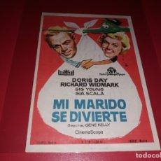 Folhetos de mão de filmes antigos de cinema: MI MARIDO SE DIVIERTE CON DORIS DAY. PUBLICIDAD DEL CINE AL DORSO. AÑO 1958. Lote 182778438