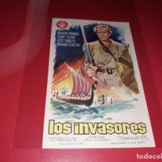 Folhetos de mão de filmes antigos de cinema: LOS INVASORES. PUBLICIDAD AL DORSO. AÑO 1963. Lote 184197142