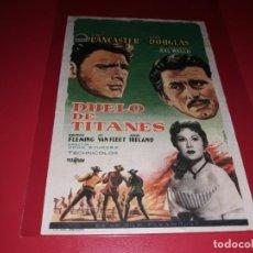 Foglietti di film di film antichi di cinema: DUELO DE TITANES CON BURT LANCASTER Y KIRK DOUGLAS. PUBLICIDAD AL DORSO. AÑO 1957. Lote 184219633
