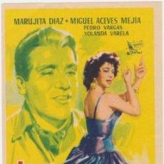 Cine: TRES ANGELITOS NEGROS. Lote 194531491