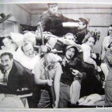 Cine: EL CAMAROTE DE LOS HERMANOS MARX. POSTER 65 X 91 CMS... Lote 195437398