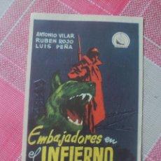 Cine: ANTONIO VILAR PROGRAMA DE MANO DE LA PELÍCULA EMBAJADORES EN EL INFIERNO.. Lote 199247336