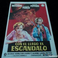 Cine: CON EL LLEGO EL ESCANDALO, ROBERT MITCHUM, ELEANOR PARKER - CINE HESPERIDES. Lote 205446702