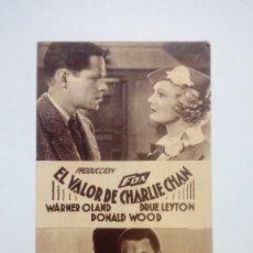 Cine: FOLLETO DE CINE EL VALOR DE CHARLIE CHAN CON WARNER OLAND DE LA FOX EN CARTON Y PUBLICIDAD. Lote 206458698