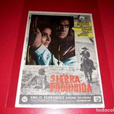 Cine: SIERRA PROHIBIDA CON MARLON BRANDO PUBLICIDAD AL DORSO AÑO 1966. Lote 209793322