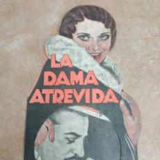 Cine: PROGRAMA DE CINE DOBLE. LA DAMA ATREVIDA. TROQUELADO.. Lote 210720846