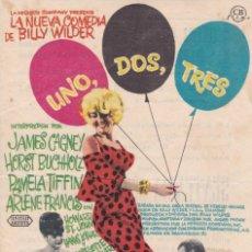 Foglietti di film di film antichi di cinema: UNO, DOS, TRES CINE RECREATIVO VILARRODONA 1964. Lote 213168235