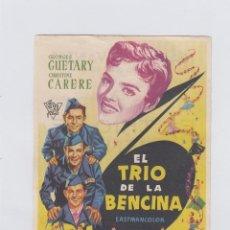 Cine: EL TRIO DE LA BENCINA. PROGRAMA DE CINE. SENCILLO CON PUBLICIDAD. TEATRO CERVANTES. MÁLAGA.. Lote 214257242
