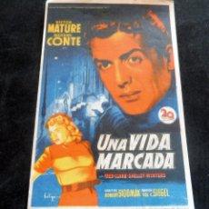 Flyers Publicitaires de films Anciens: PROGRAMA DE CINE - UNA VIDA MARCADA - CINE ECONÓMICO - PALAMÓS -. Lote 215981066