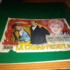 Cine: ANTIGUO PROGRAMA CINE LA CIUDAD FRENTE A MI. PAUL NEWMAN. CON PUBLICIDAD CINE MODERNO DE TORRELAMEU. Lote 216972223