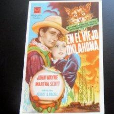 Flyers Publicitaires de films Anciens: PROGRAMA DE CINE - EN EL VIEJO OKLAHOMA - CINE CARMEN DE PALAMÓS - 1945. Lote 217768206