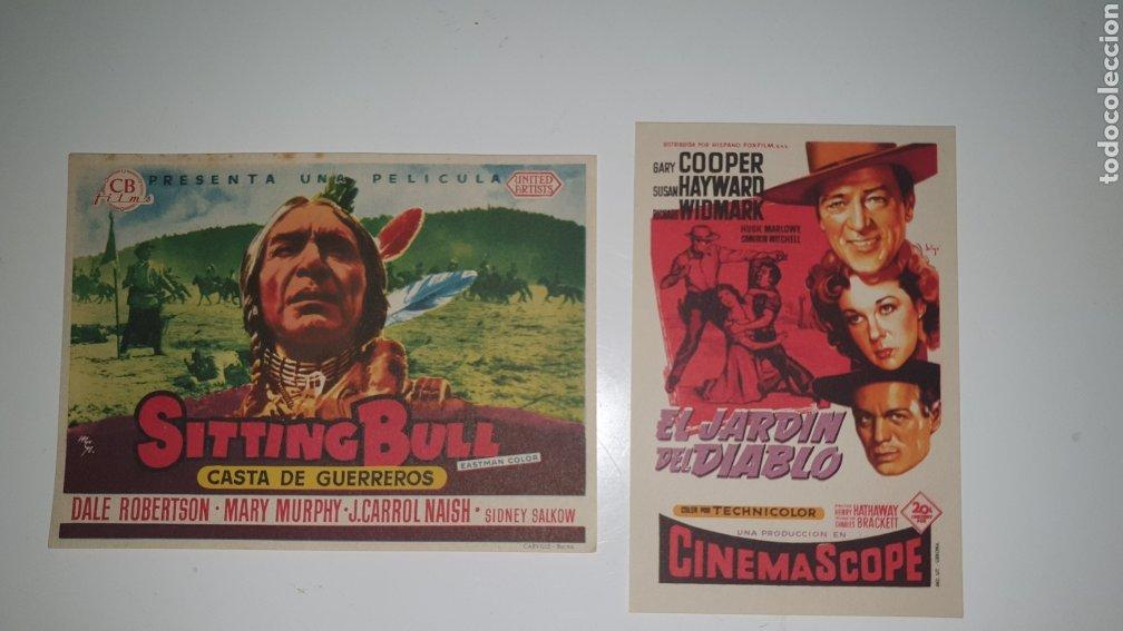 DOS CARTELES DE MANO CINE AÑOS 70. (Cine - Folletos de Mano - Acción)
