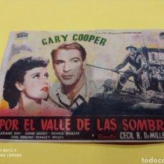Cine: ANTIGUO PROGRAMA DE CINE. FOLLETO DE MANO, PELÍCULA POR EL VALLE DE LAS SOMBRAS. CINE DE BENISA. Lote 218444533