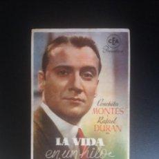Folhetos de mão de filmes antigos de cinema: LA VIDA EN UN HILO. Lote 218713577
