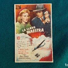 Flyers Publicitaires de films Anciens: PROGRAMA DE MANO CINE LA LLAVE MAESTRA - CON CINE AL DORSO. Lote 218956432