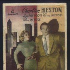 Flyers Publicitaires de films Anciens: P-8928- CIUDAD EN SOMBRAS (DARK CITY) (CINE PLAZA DE TOROS - BADAJOZ) CHARLTON HESTON. Lote 220862418