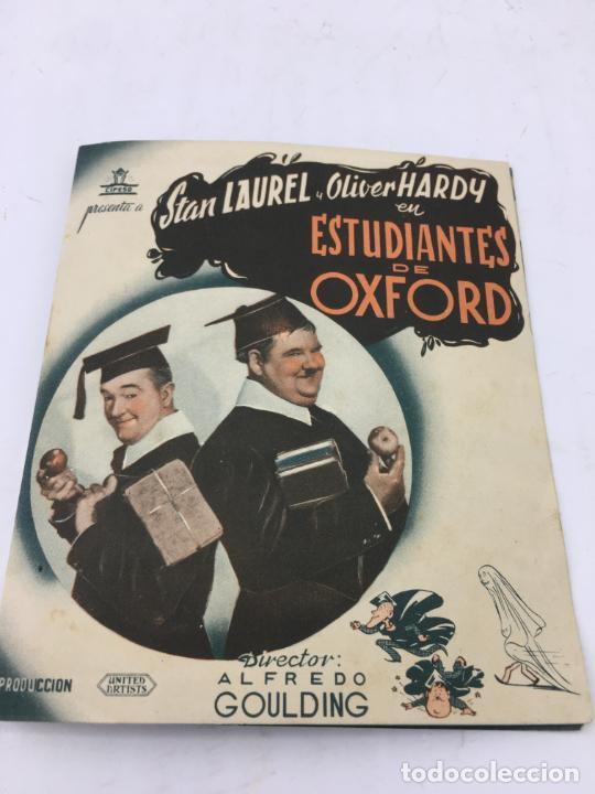 ESTUDIANTES DE OXFORD CON STAN LAUREL Y OLIVER HARDY - FOLLETO DE MANO DOBLE - REF. FM-032 (Cine - Folletos de Mano - Comedia)