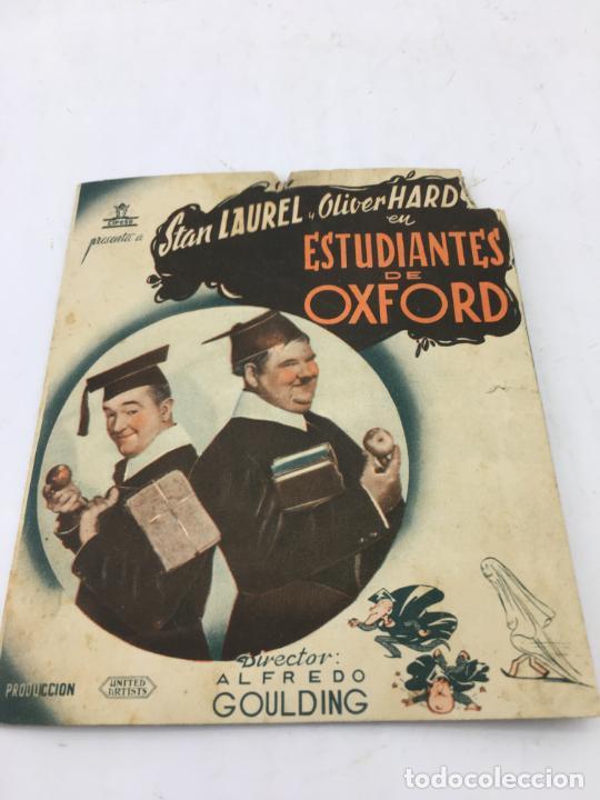 ESTUDIANTES DE OXFORD CON STAN LAUREL Y OLIVER HARDY - FOLLETO DE MANO DOBLE - REF. FM-030 (Cine - Folletos de Mano - Comedia)