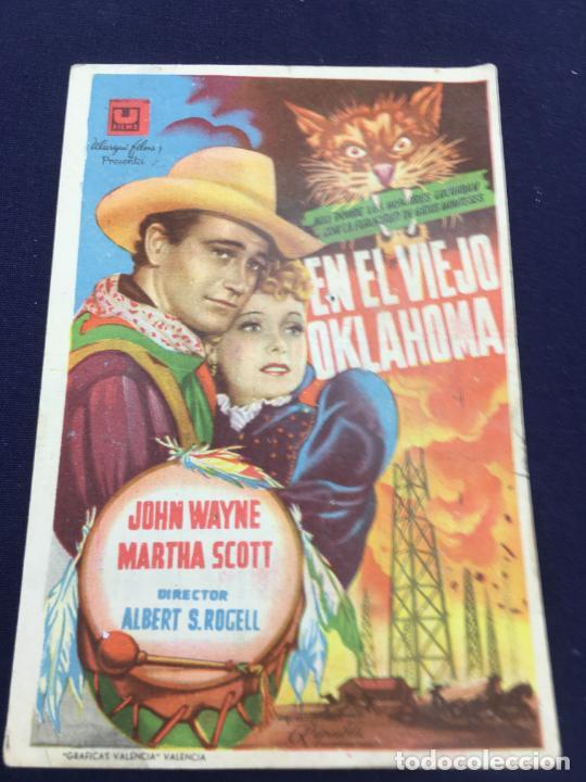 EN EL VIEJO OKLAHOMA CON JOHN WAYNE - FOLLETO DE MANO SENCILLO - REF. FM-083 (Cine - Folletos de Mano - Westerns)