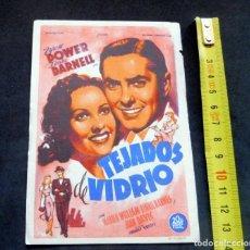 Flyers Publicitaires de films Anciens: PROGRAMA DE CINE - TEJADOS DE VIDRIO - CINE CARMEN DE PALAMÓS - 1945. Lote 223737295