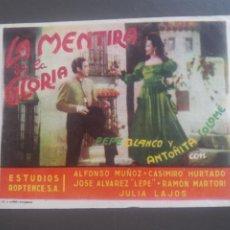 Cine: LA MENTIRA DE LA GLORIA CON PUBLICIDAD CINE MODERNO MÁLAGA. Lote 224337685